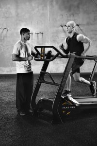 MX16_LIFESTYLE_S-DRIVE male running w-trainer_vertical